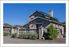 Napa Valley Vineyard & Home For Sale - Cabernet Sauvignon - St. Helena