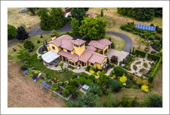 Oregon Luxury Home and Vineyard For Sale