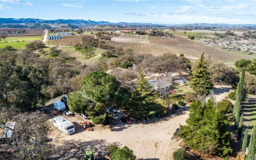 Paso Robles Wine Country Ranch For Sale w/ 3 homes!